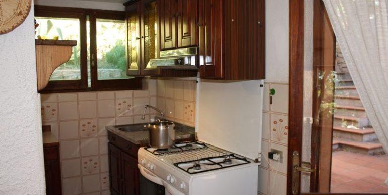 Rustico-Costa-Paradiso-cucina