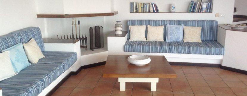 villa-anna-costa-paradiso-soggiorno-divano