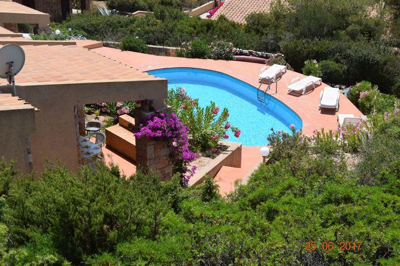 Villino Mara piscina condivisa e veranda coperta