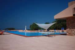 Villino-con-piscina-mare