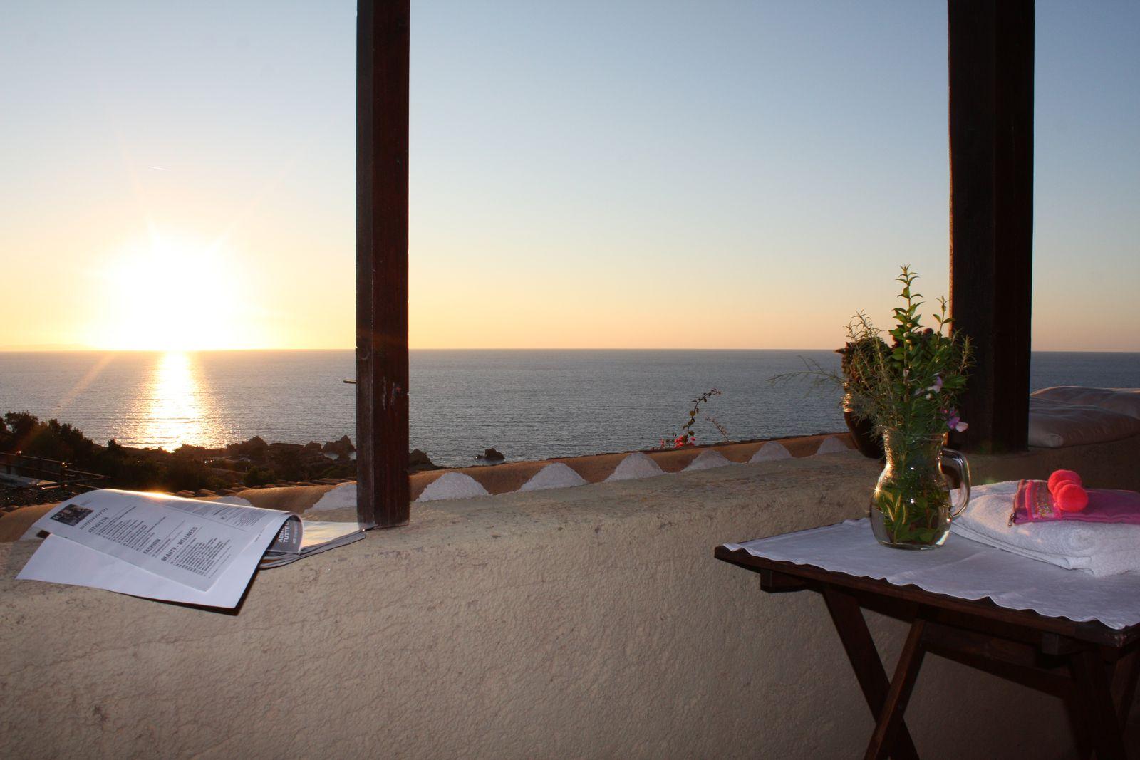 Villino Kia con veranda coperta vista mare