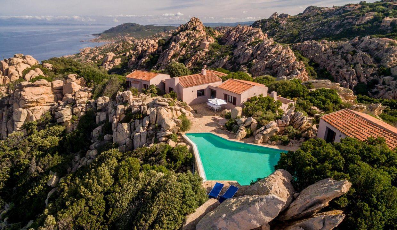 villa-privata-con-piscina-costa-paradiso